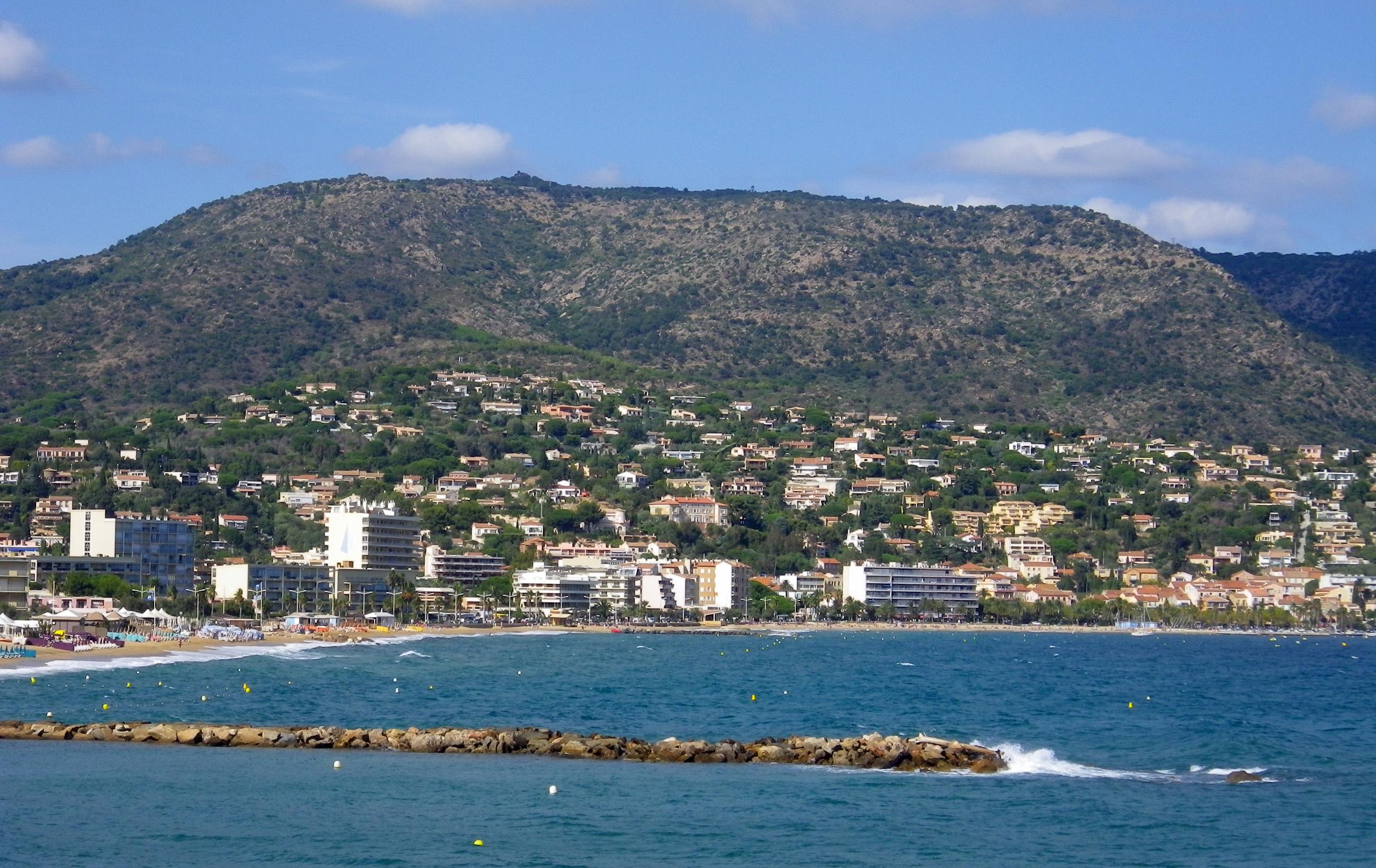 File fr le lavandou seen from the wikimedia commons - Office du tourisme de la londe les maures ...