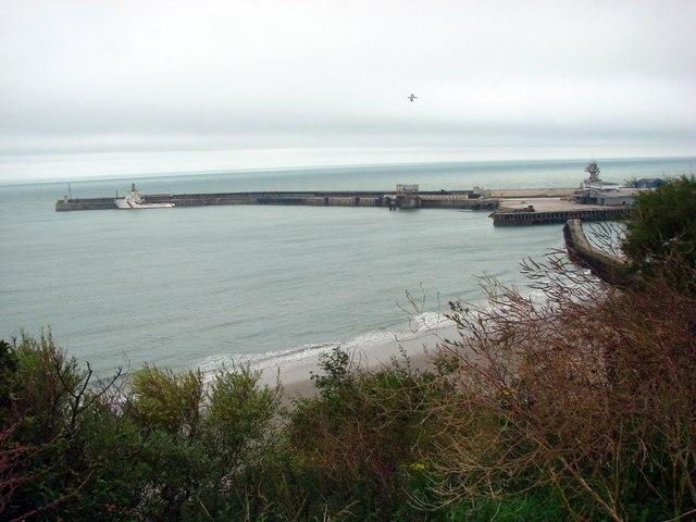 Folkestone Harbour Pier. - geograph.org.uk - 493455