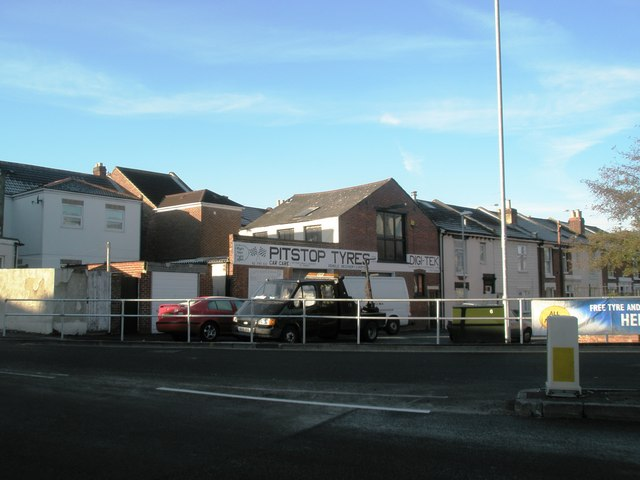 File garage on the corner of tipner road geograph