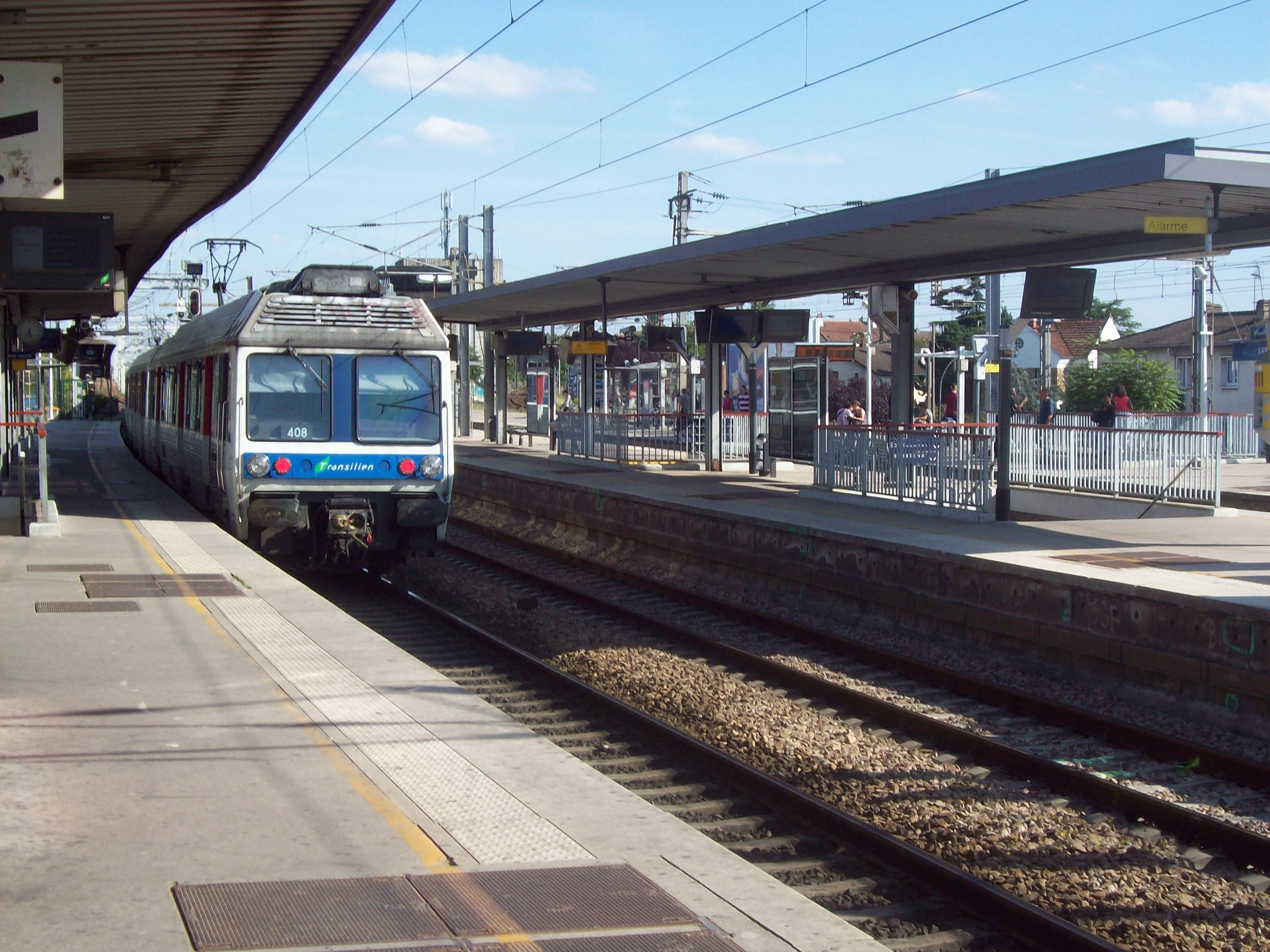 Gare sartrouville for Piscine sartrouville