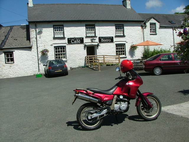 Glan Bran Cafe and Bistro on the A483 at Cynghordy - geograph.org.uk - 1493743