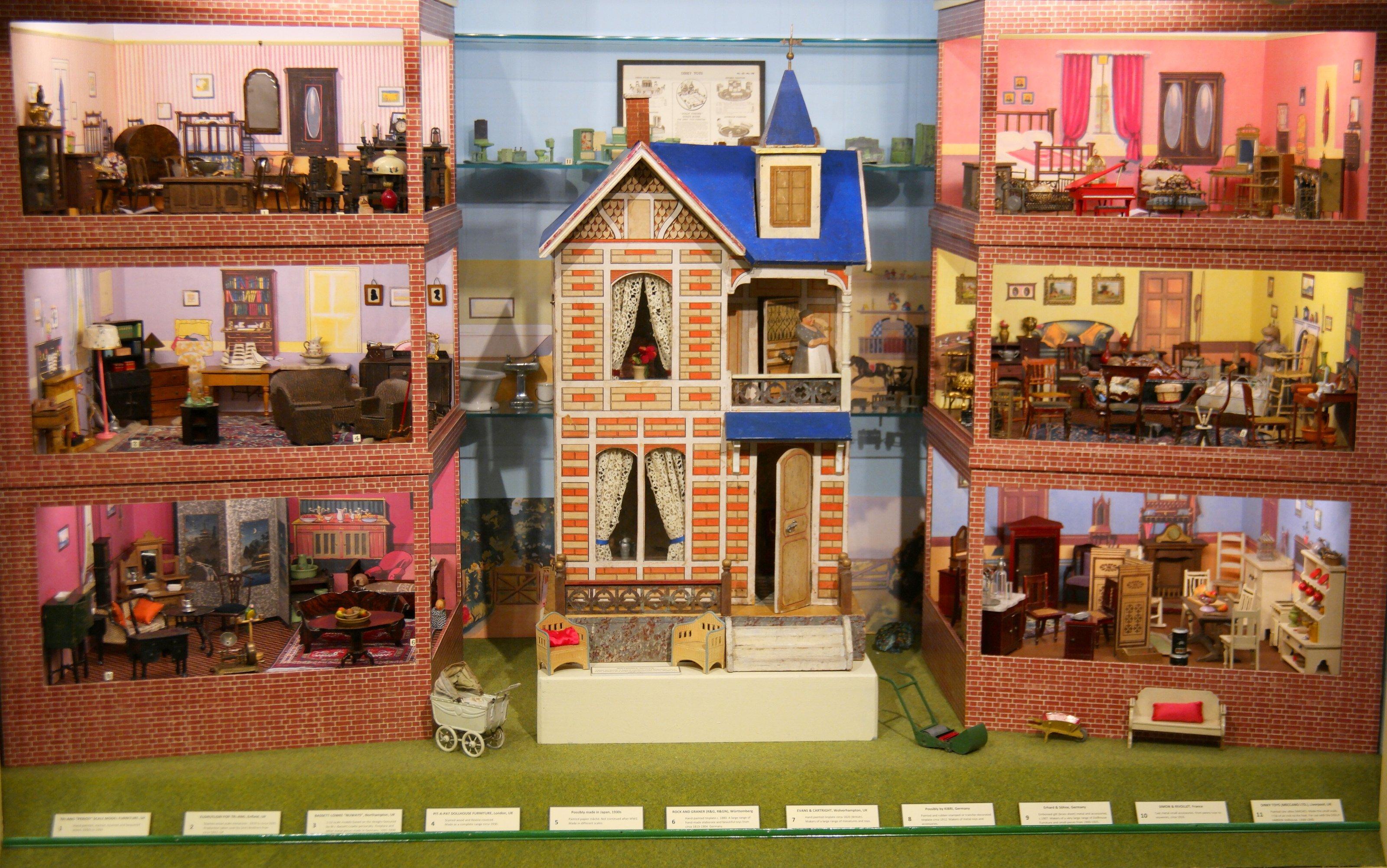 File:Gottschalk dollhouse and dollhouse miniatures, 2016 (Brighton