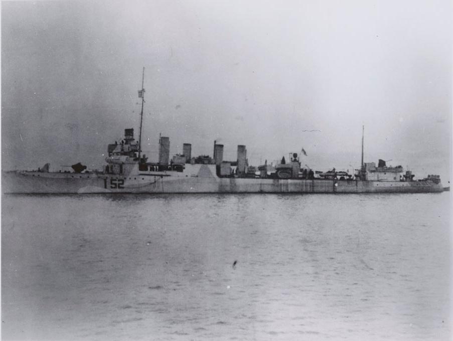 HMS Salisbury WWII LAC e010859220-v8.jpg
