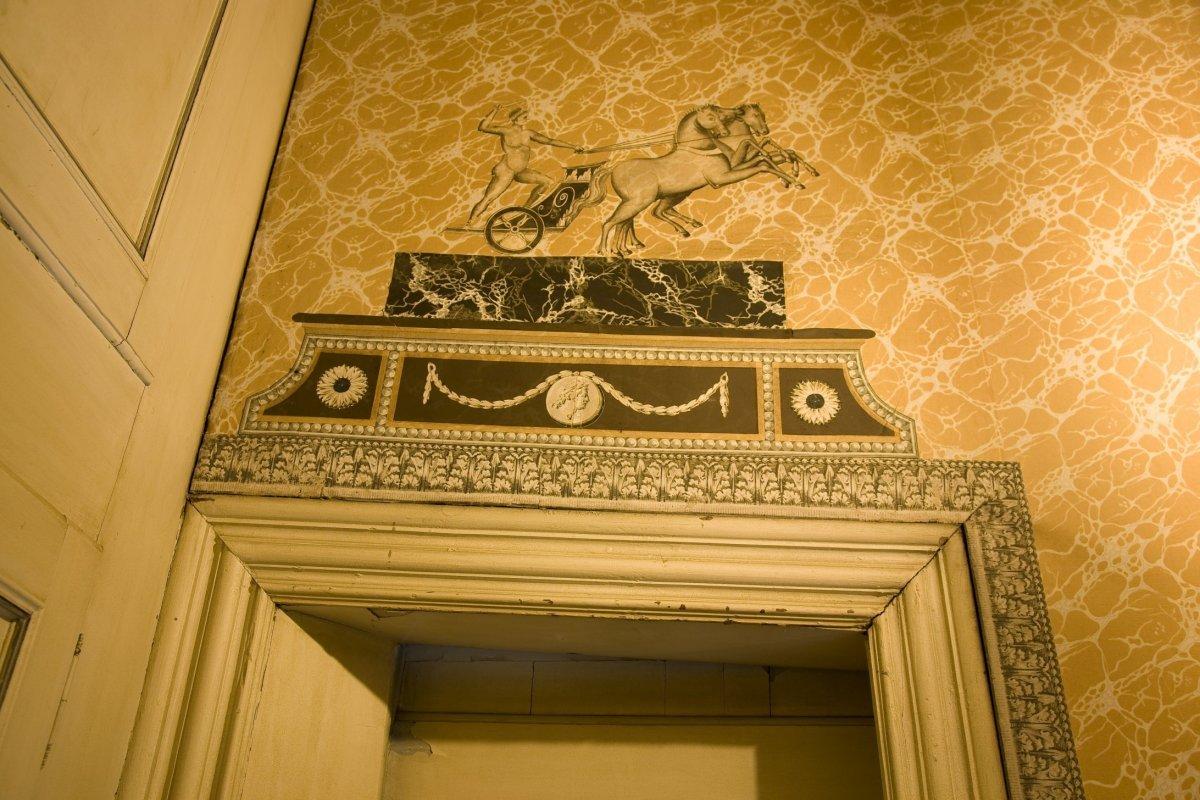 File interieur detail van het behang in het trappenhuis op de