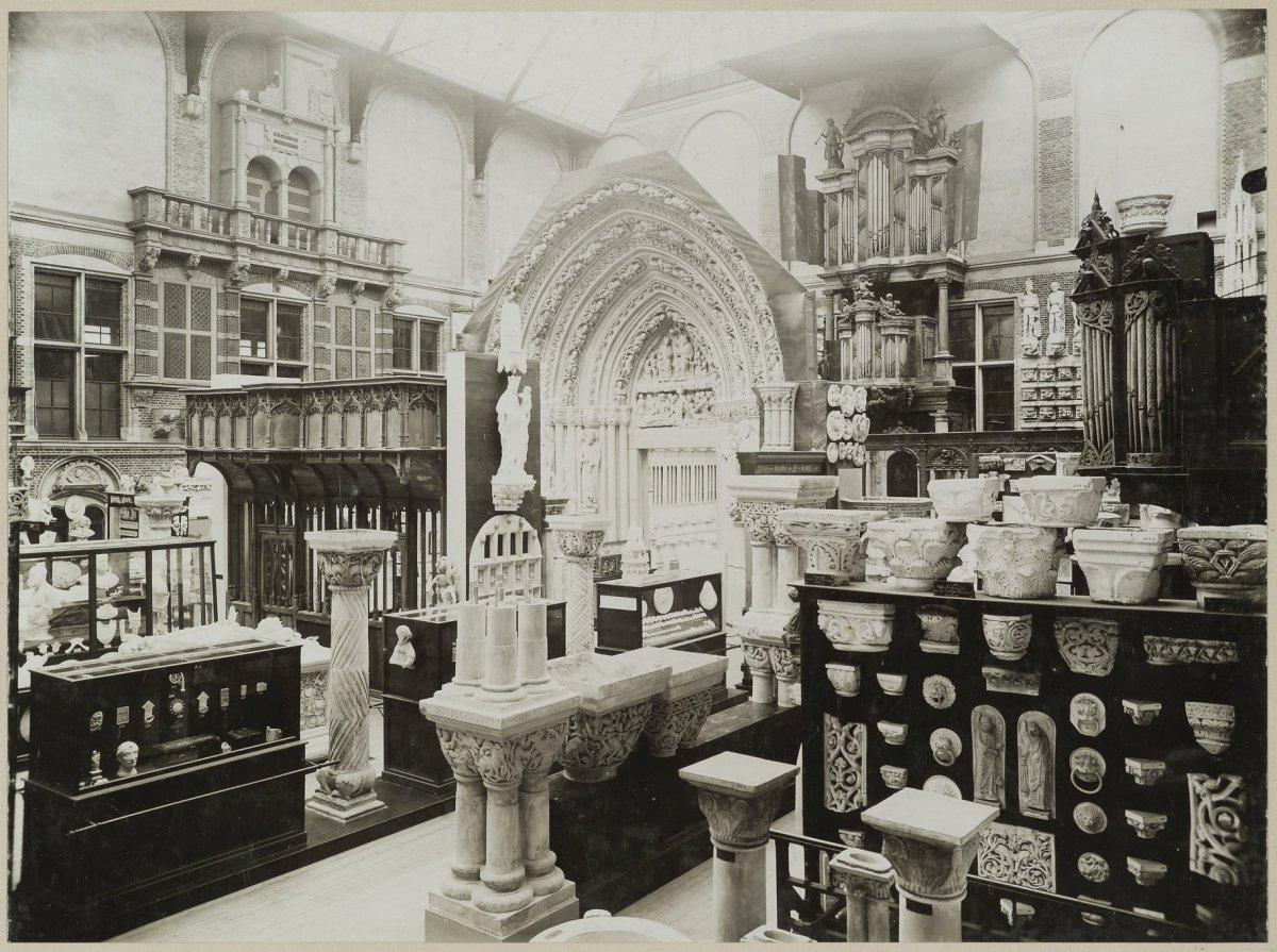 file interieur rijksmuseum binnenhof met gipsafgietsels