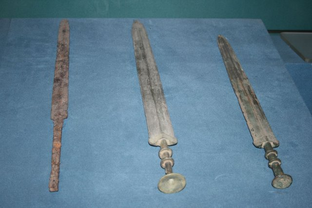 Iron sword and two bronze swords, Warring States Period.JPG