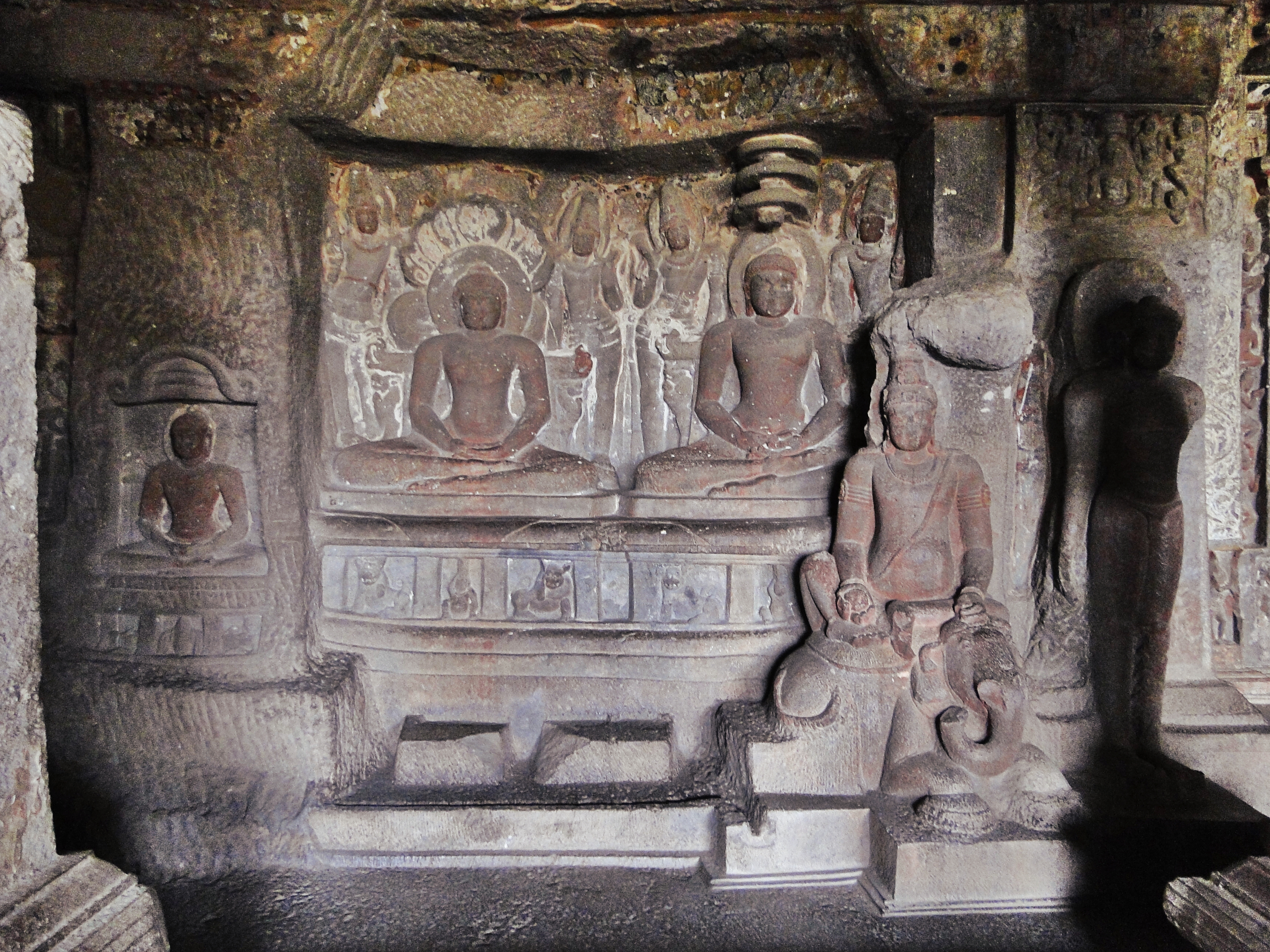 File:Jain Tirthankars, Cave No. 34, Ellora Caves.jpg - Wikimedia Commons