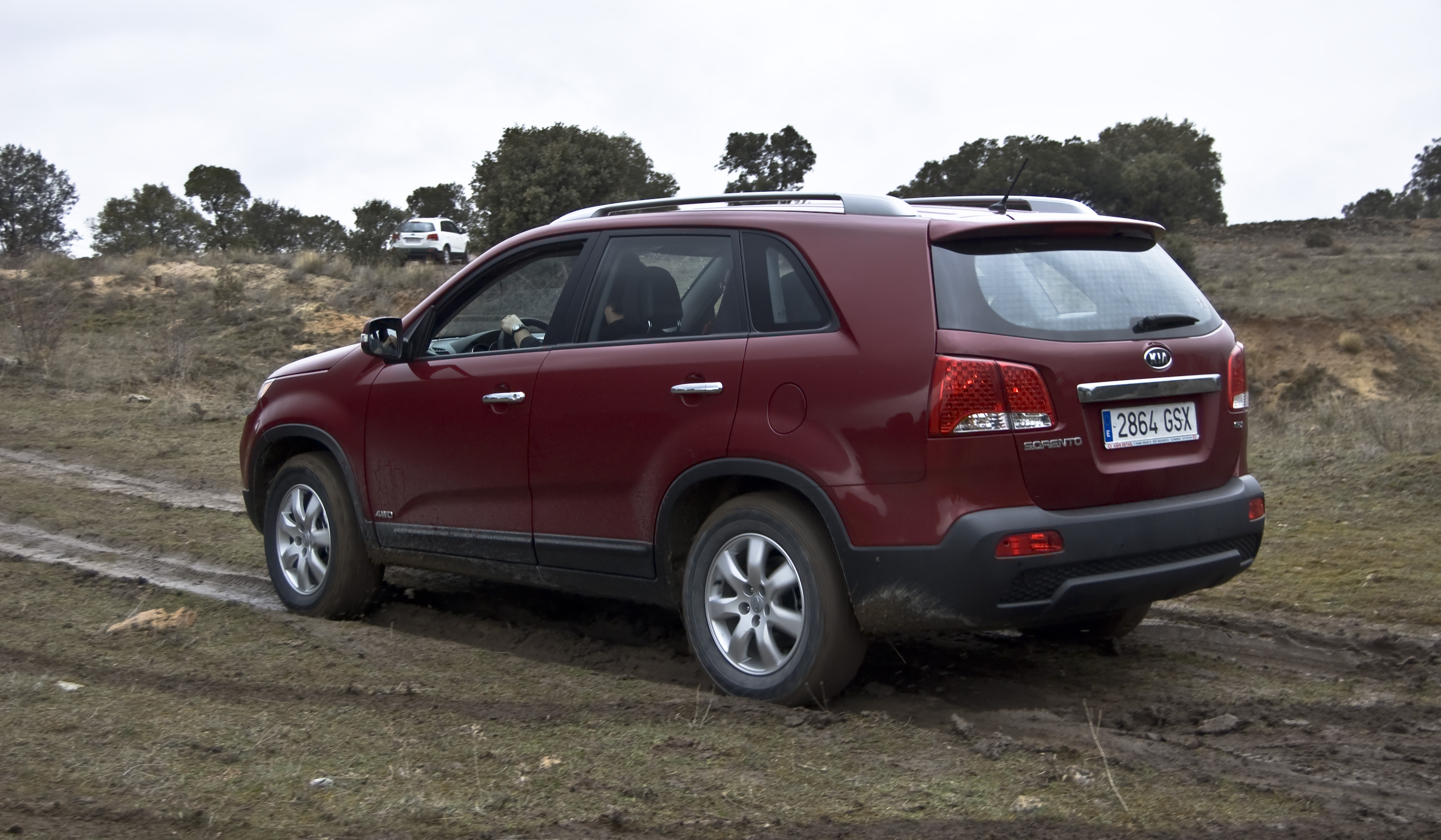 cuv towards begin on sorento new sales high kia the expected are of worldwide to end seater res details and year gallery
