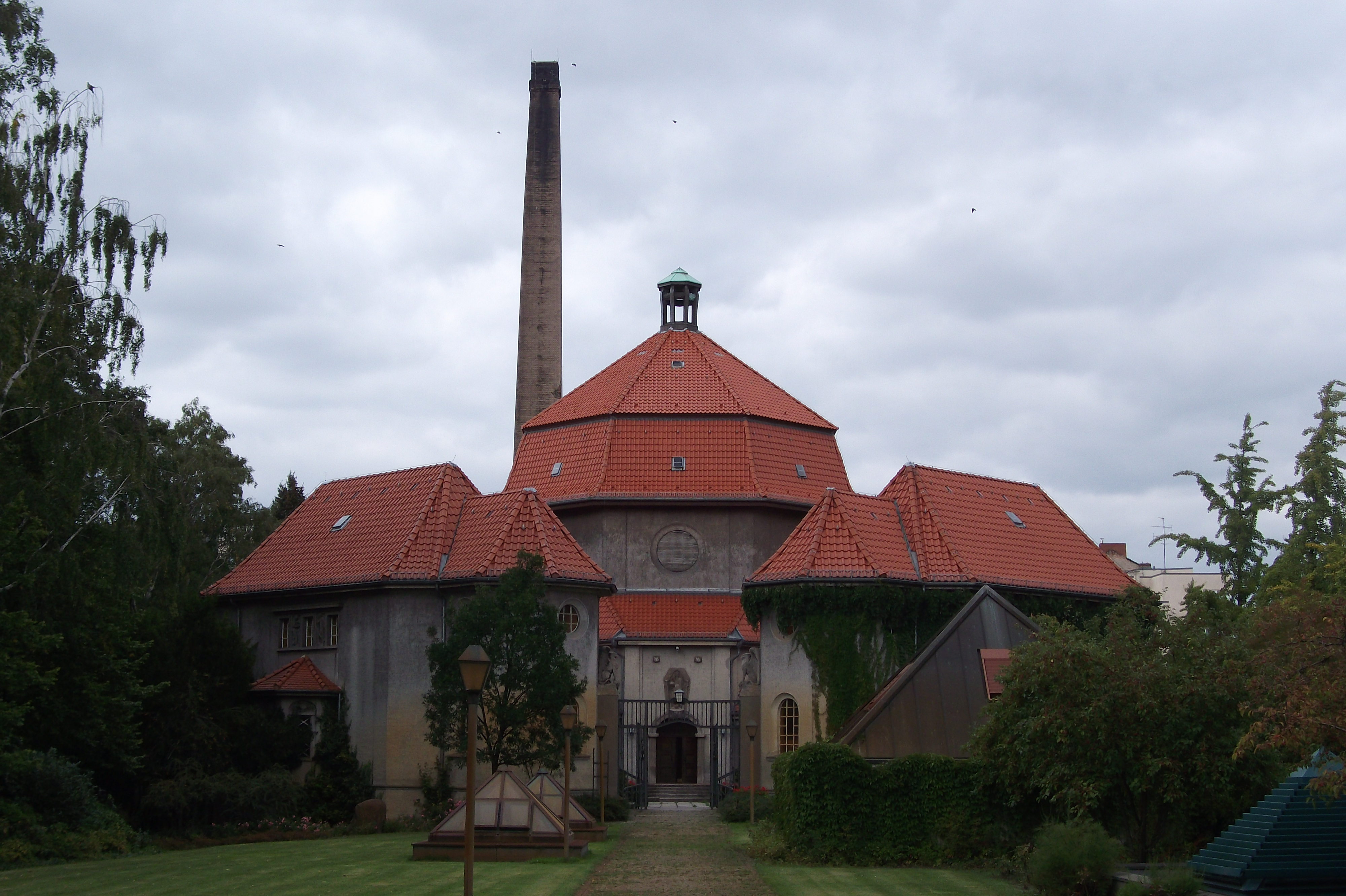 filekrematorium weddingjpg wikimedia commons