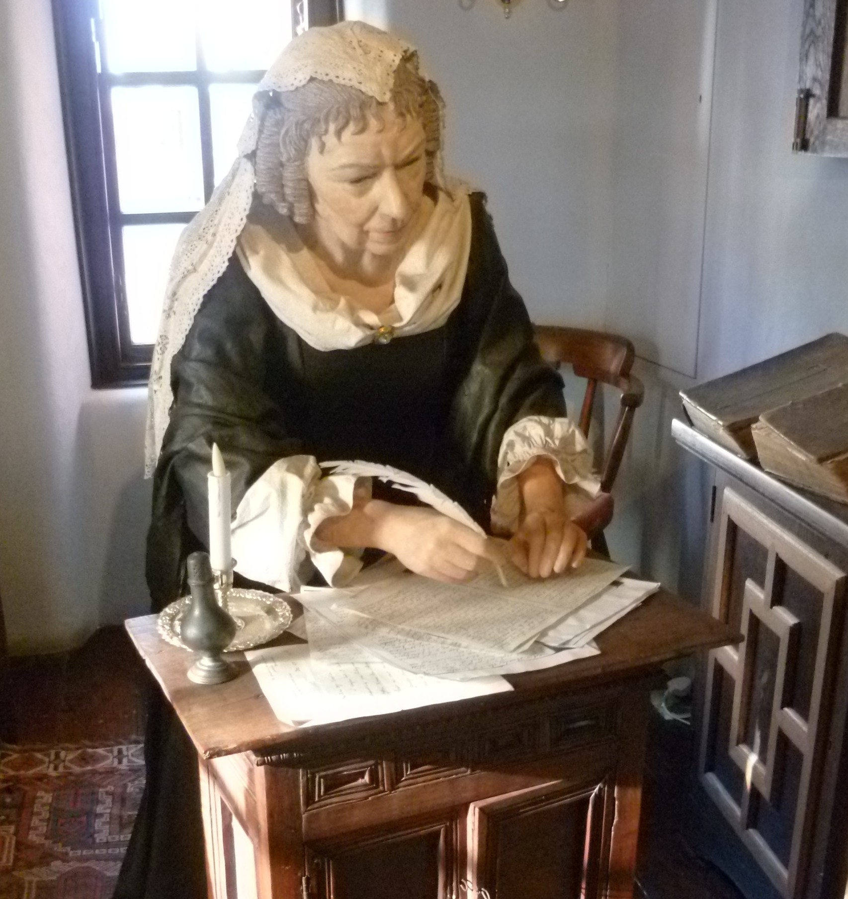 A figure of Lady Anne Halkett figure at the [[Abbot House, Dunfermline]]