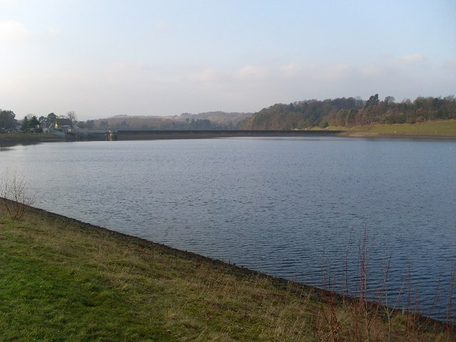 Looking back across Craigmaddie Reservoir - geograph.org.uk - 695728