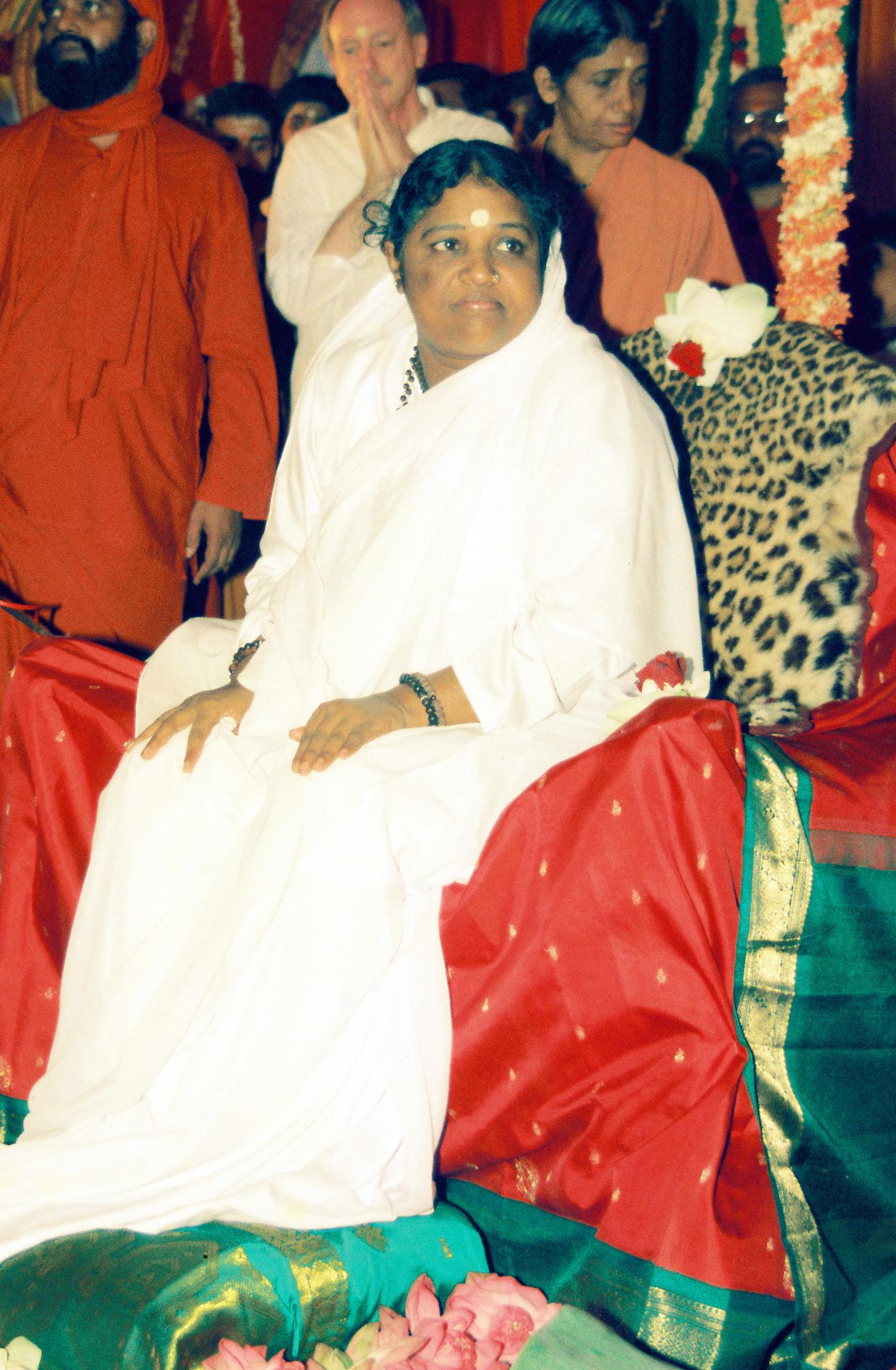 Mata Amritanandamayi of Amritapuri Ashram