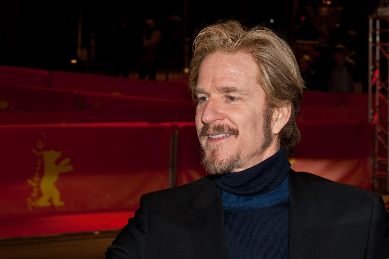 matthew modine height weight