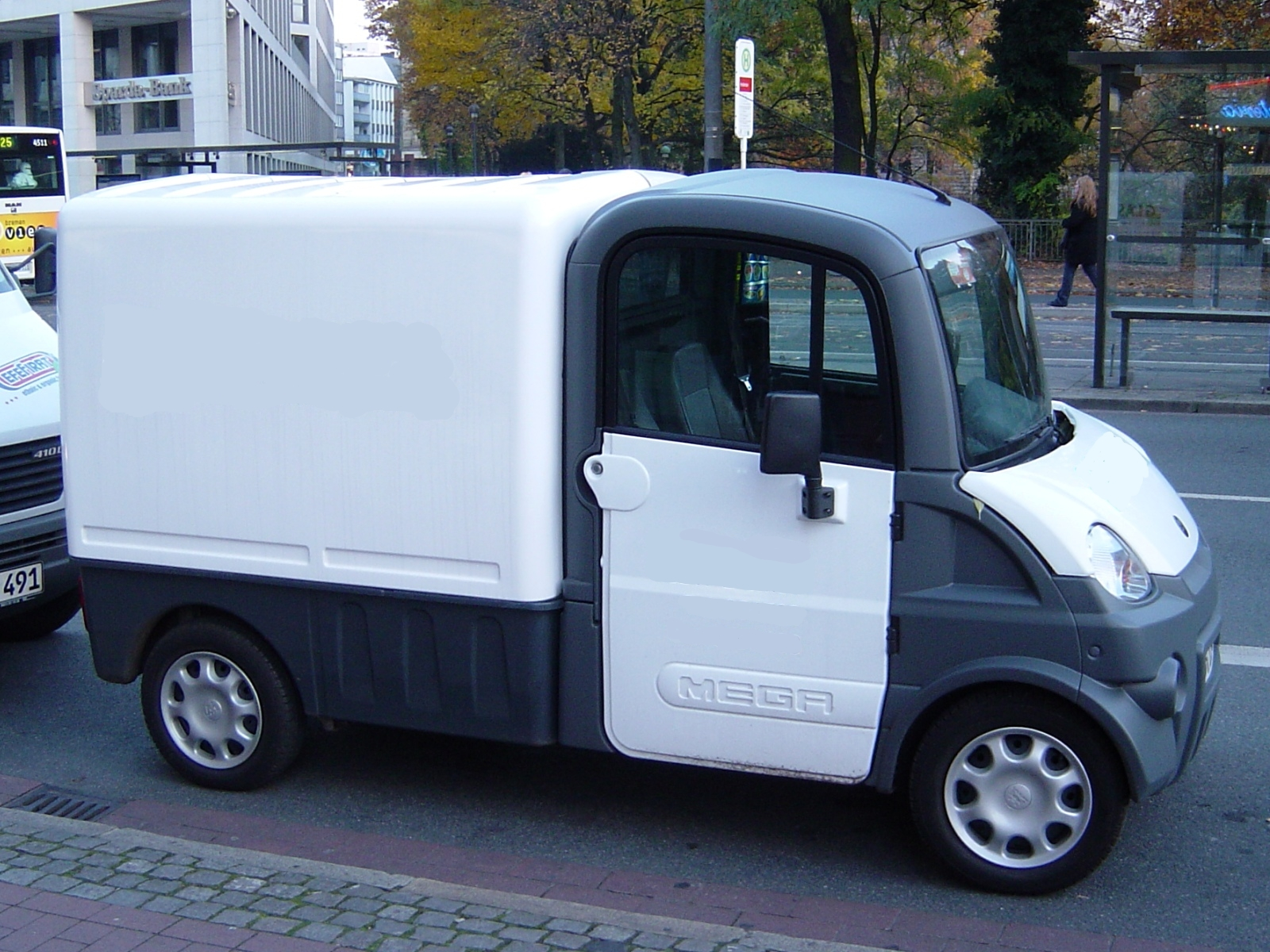 Axiam Electric Car Stats