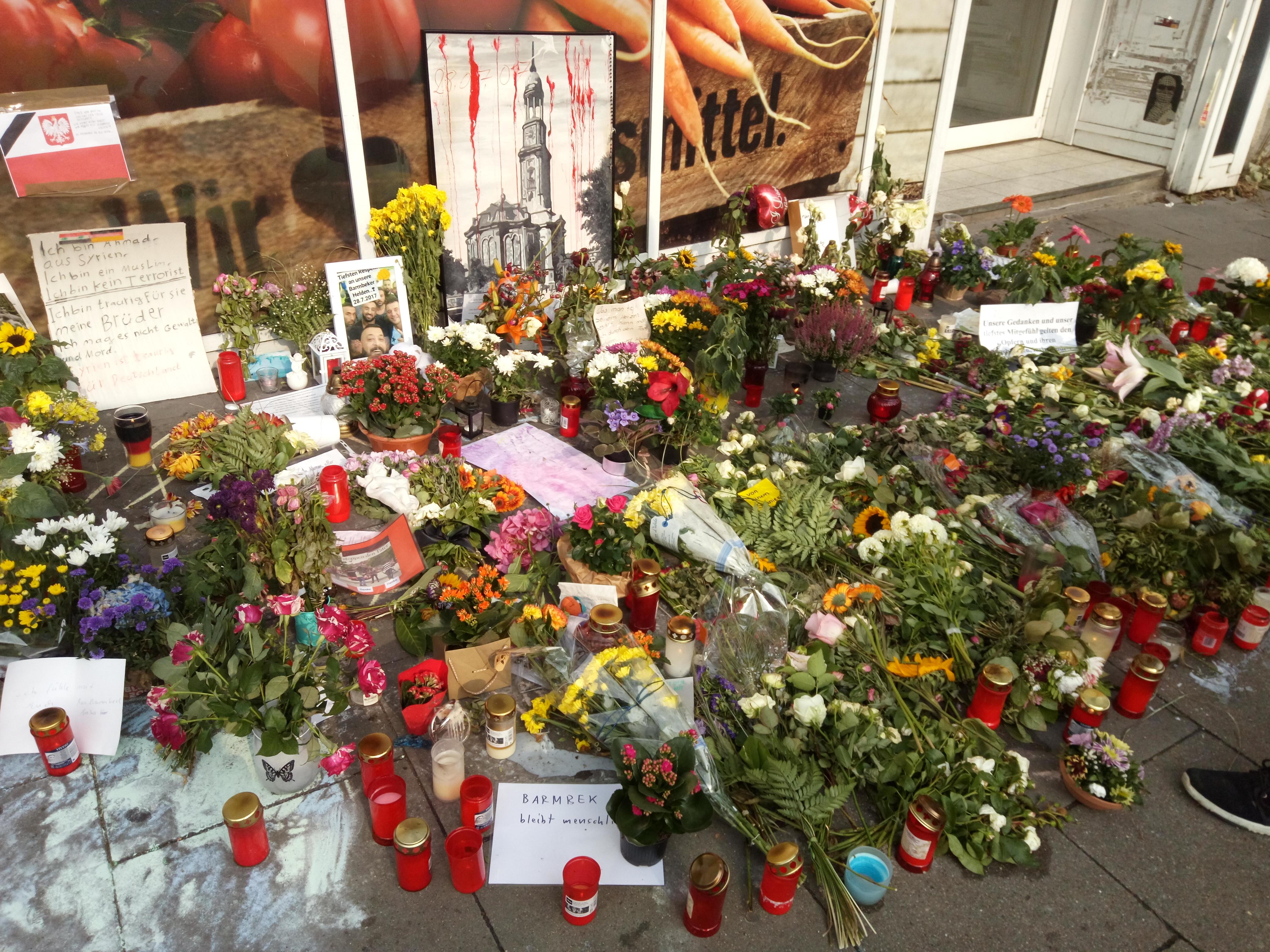 File Messeratacke Hamburg Blumen Jpg Wikimedia Commons