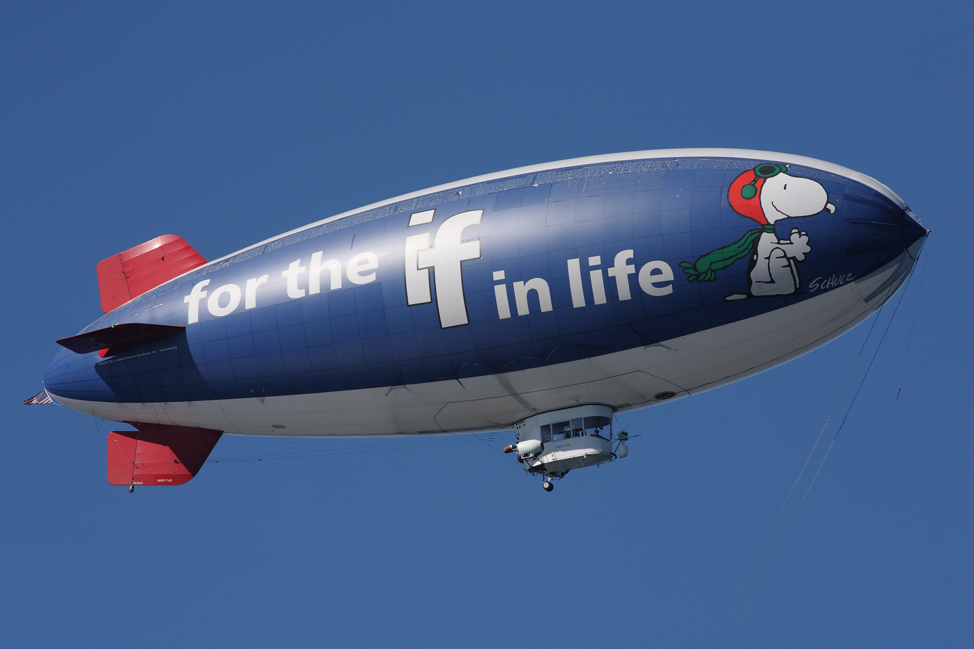 Metlife_snoopy_two_blimp.jpg