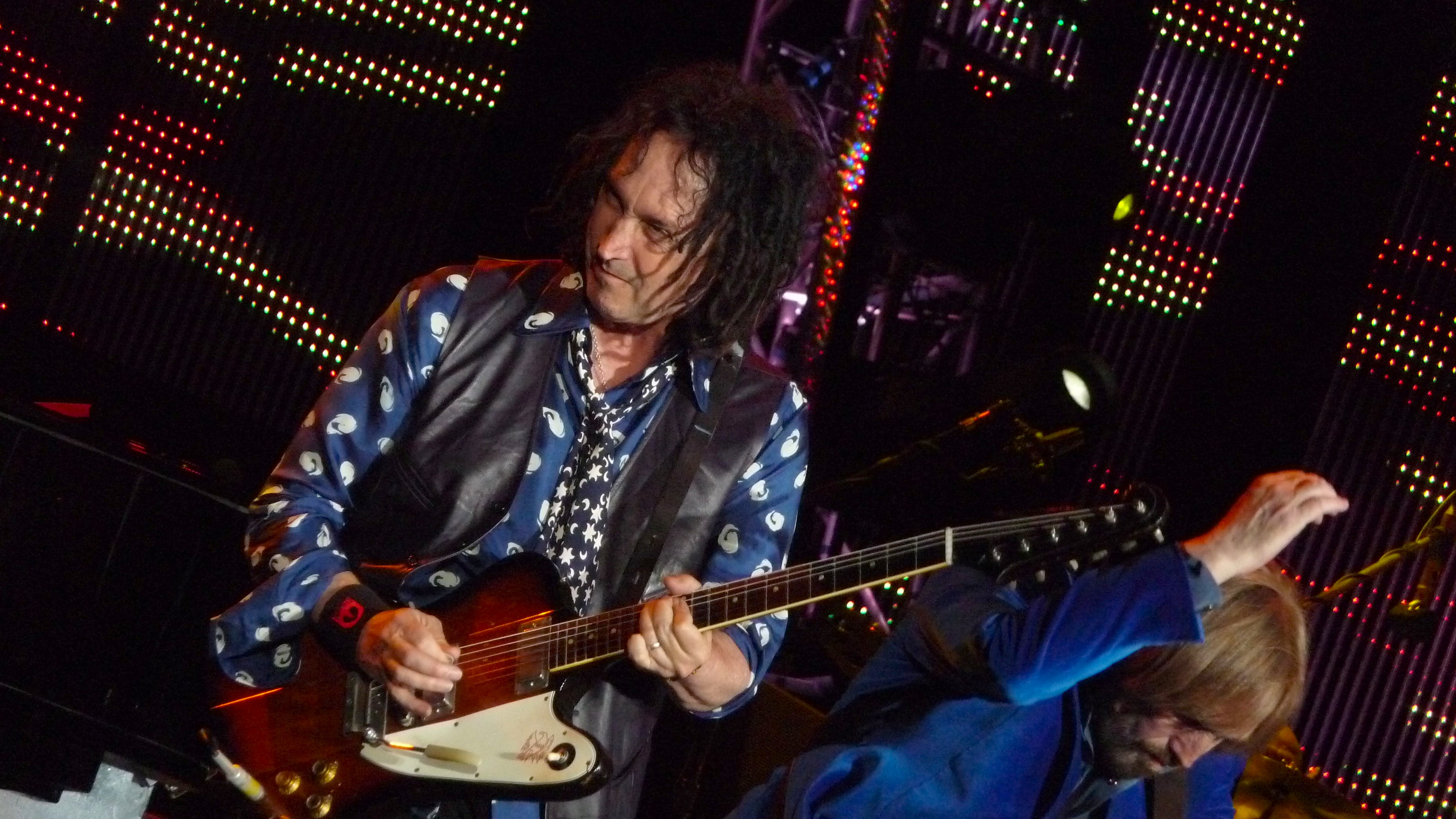 About Mike Campbell Musician Guitarist Musician