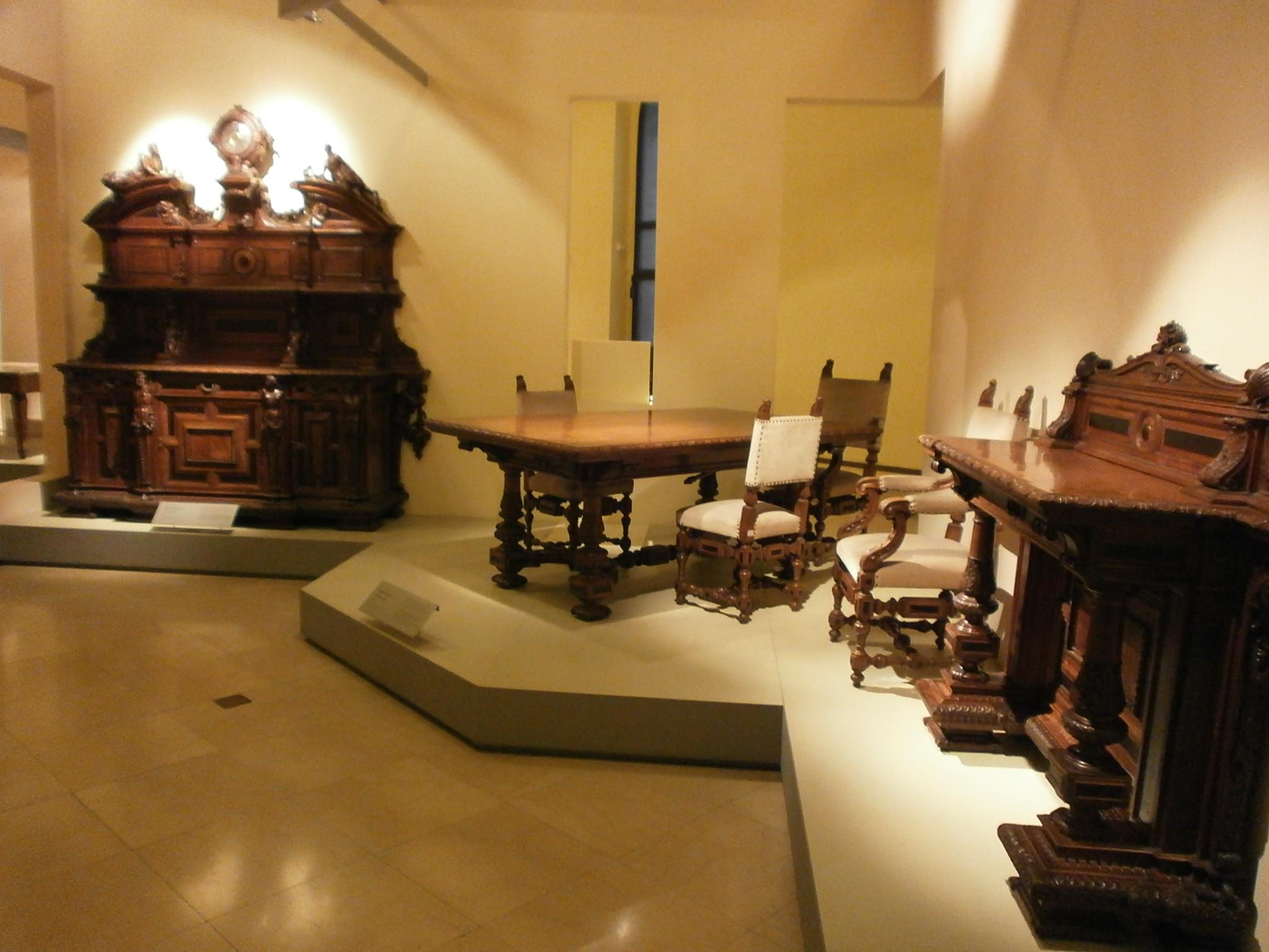 file museo dei mobili e delle sculture lignee milano