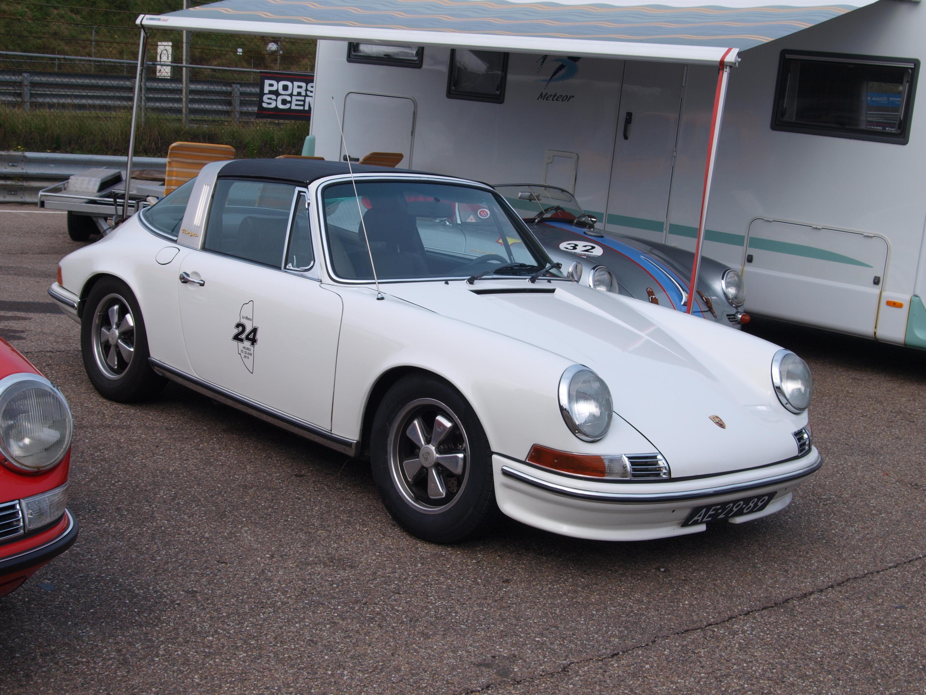 File Nationale Oldtimerdag Zandvoort 2010 1972 Porsche