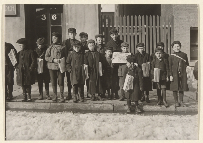 """""""Newsboys,"""" photograph by Lewis W. Hine"""