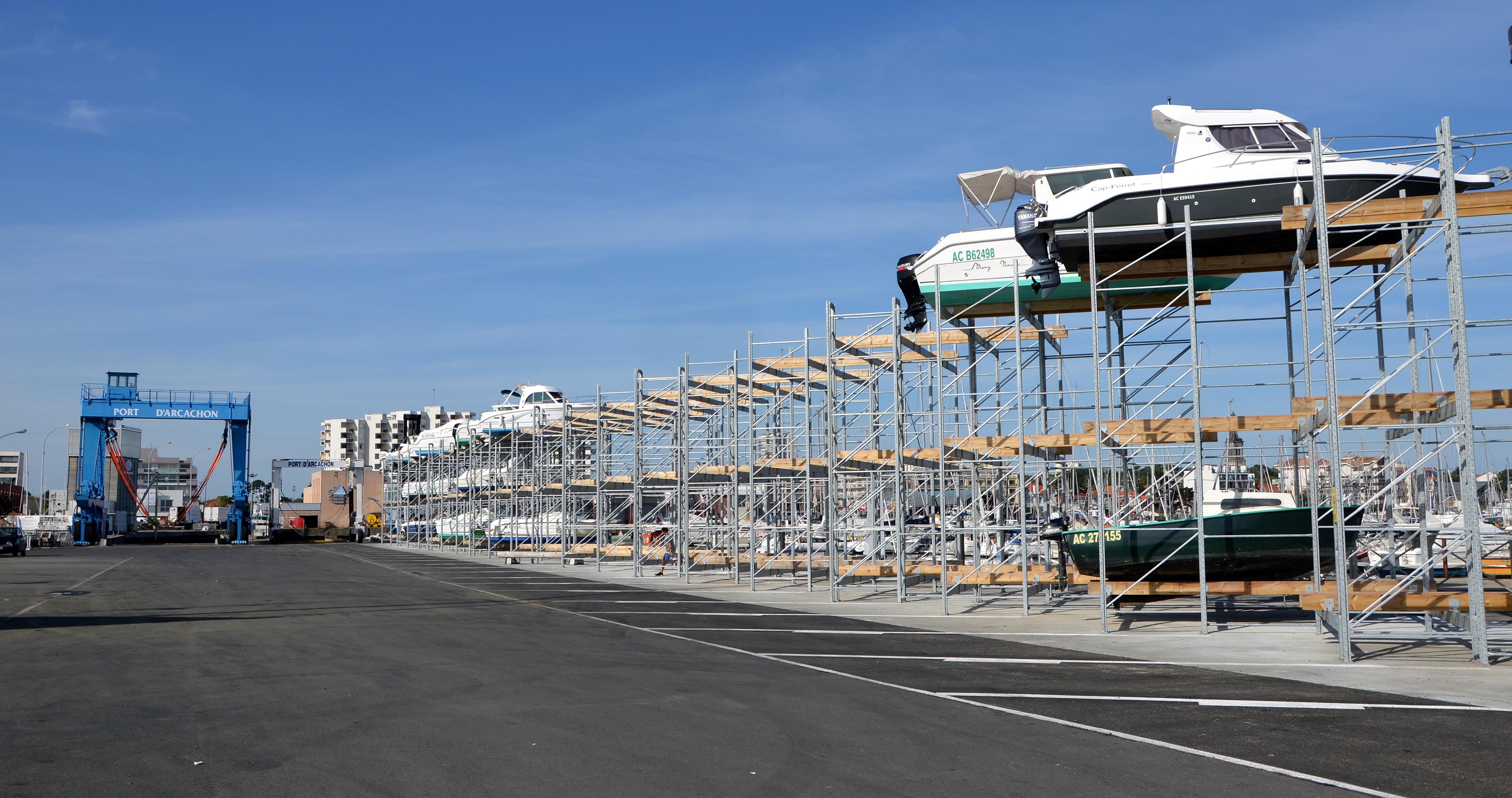 file parking a bateaux au port d arcachon dsc 0086 jpg wikimedia commons. Black Bedroom Furniture Sets. Home Design Ideas