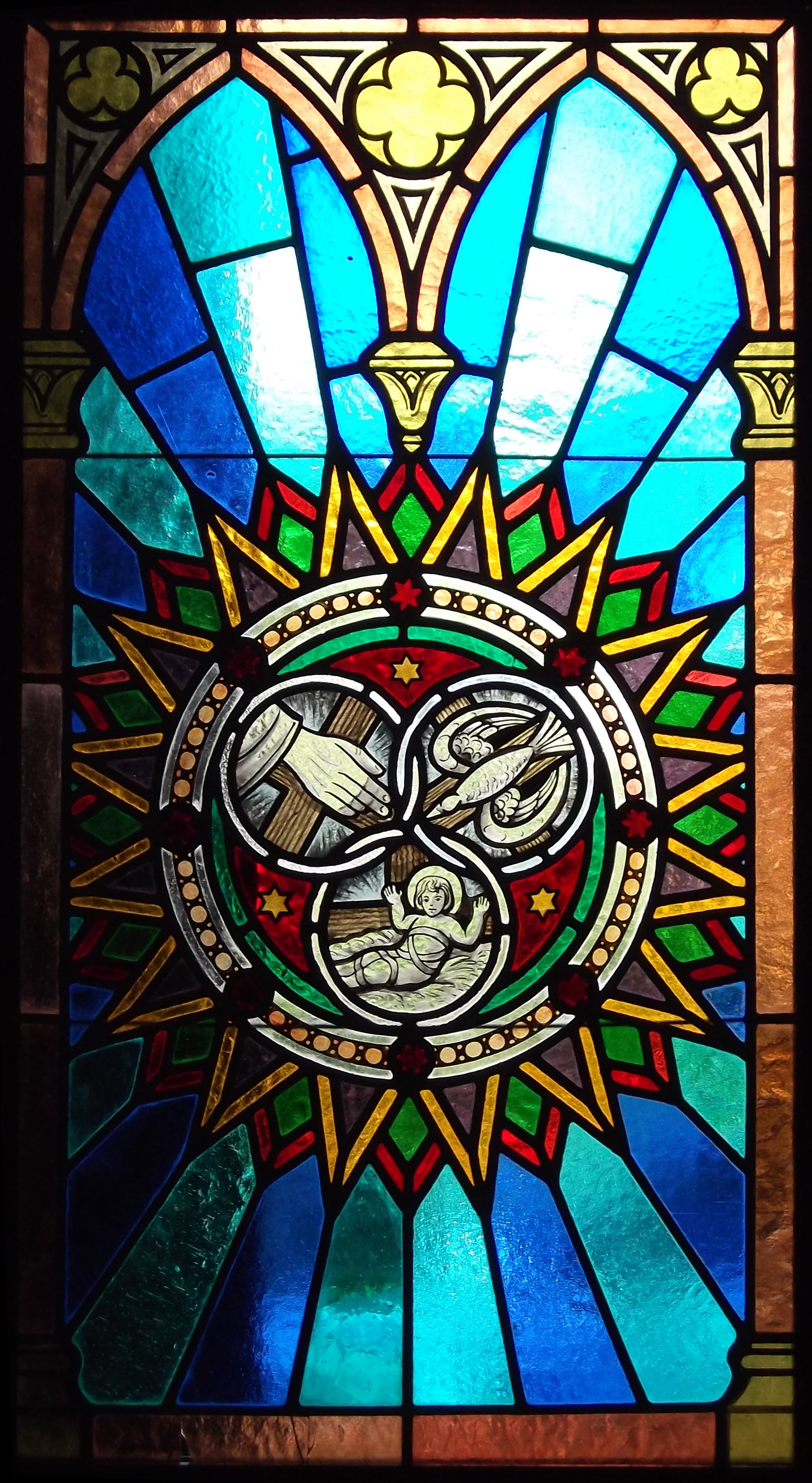 Filepetropolis holy trinity circles symbol stained glass window filepetropolis holy trinity circles symbol stained glass windowg biocorpaavc Image collections