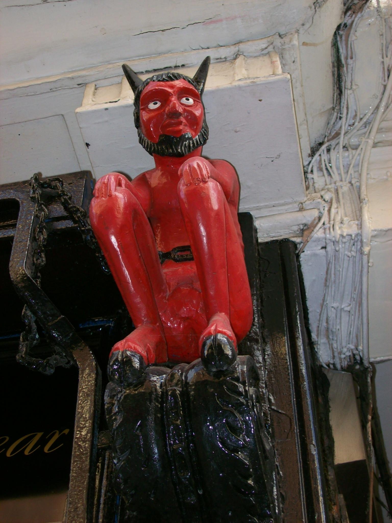 File:Red Devil, Stonegate.JPG