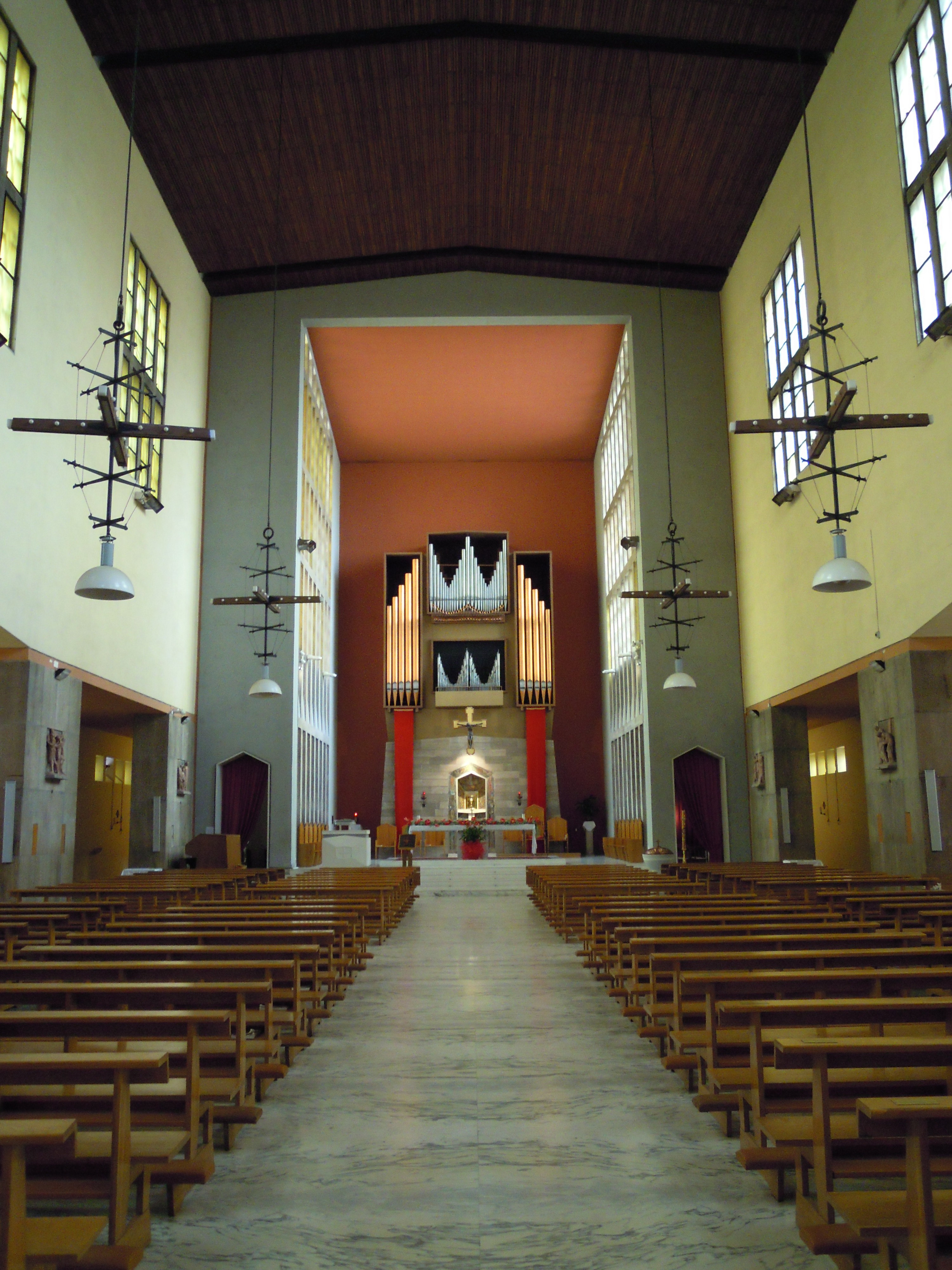 Datei Roma Chiesa Di San Pio X Wikipedia