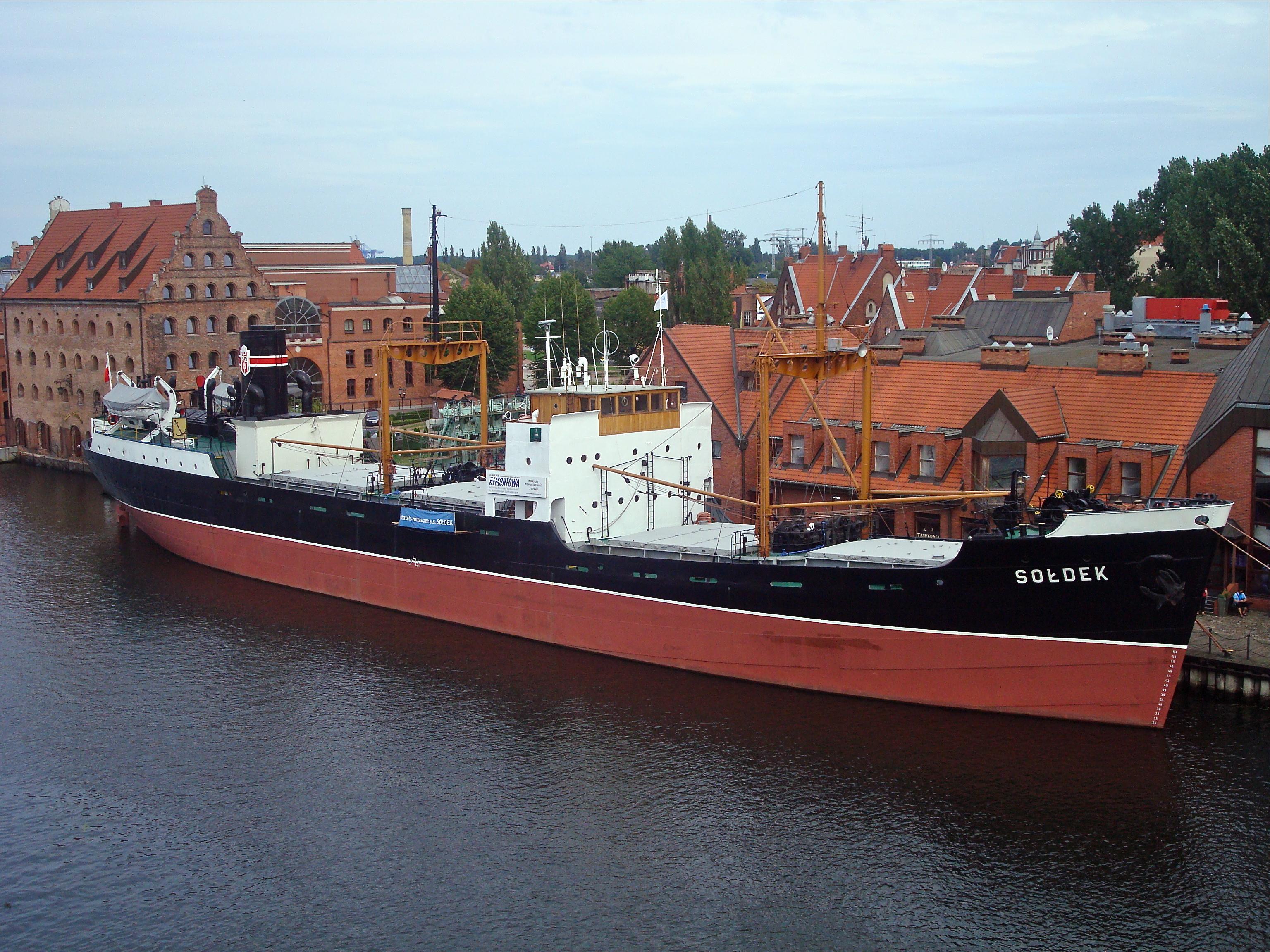 File:SS Sołdek, widok z OKM.jpg - Wikimedia Commons
