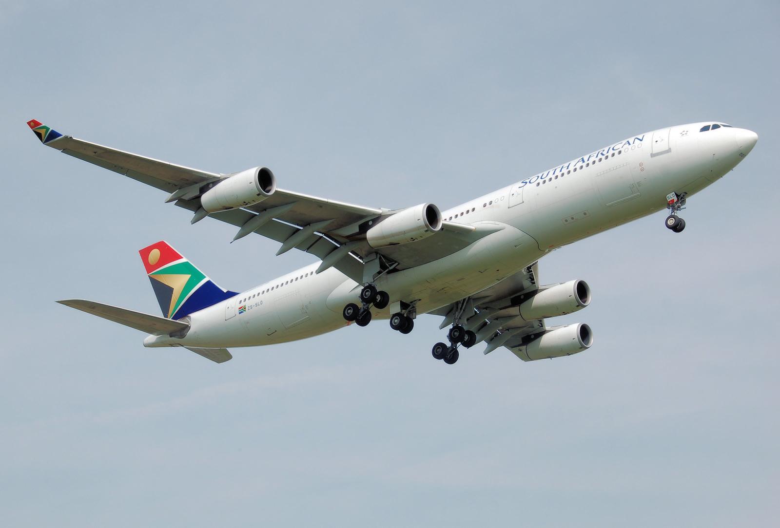 File Saa A340 200 Zs Sld Lands London Heathrow Arp Jpg