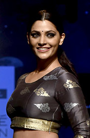 Saiyami Kher graces Lakme Fashion Week 2018 – Day 4 (02) (cropped).jpg
