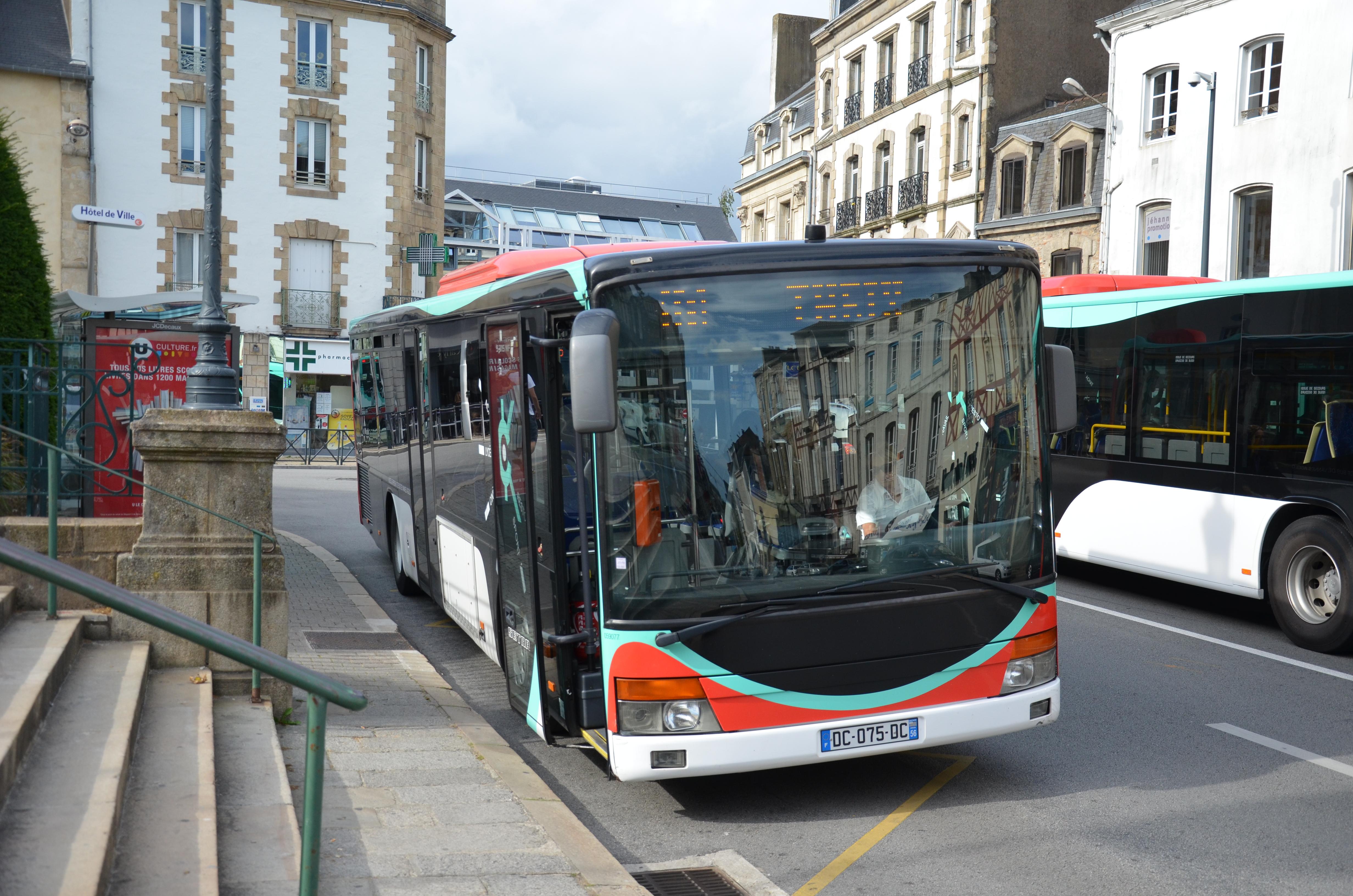 Bus Vannes Hotel De Ville Elven