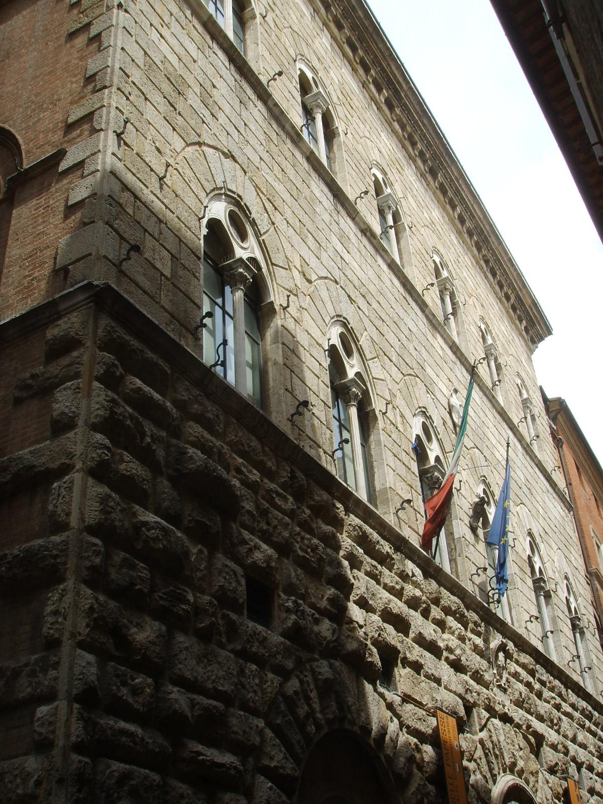 Palazzo Piccolomini, Siena, o Palazzo delle Papesse (Banchi di Sotto, Siena)
