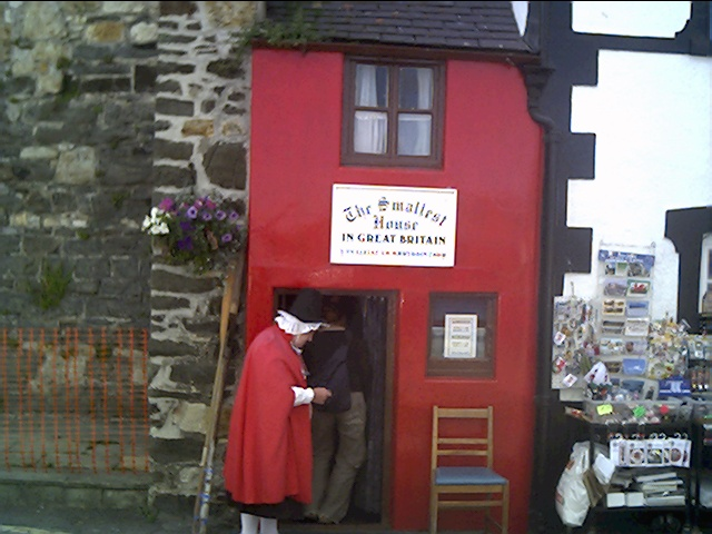 File Smallest House In Great Britain Conwy Quay Conwy
