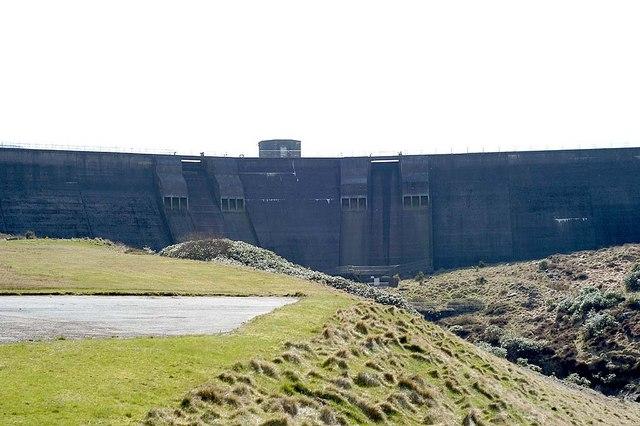 Spelga Dam - geograph.org.uk - 403286