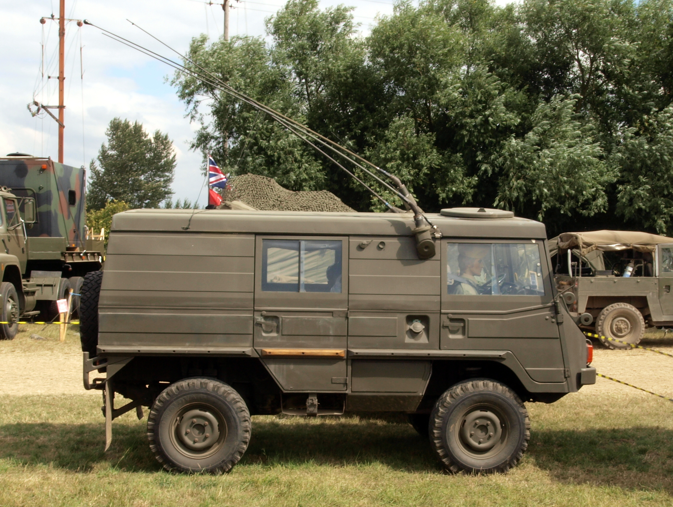 file steyr puch pinzgauer wikimedia commons. Black Bedroom Furniture Sets. Home Design Ideas