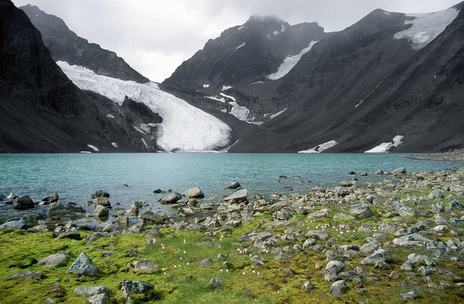 الجمال الطبيعي الساحر عنوان يلوذ بالافق - روعة الجمال السويدي الاوروبي ّ!