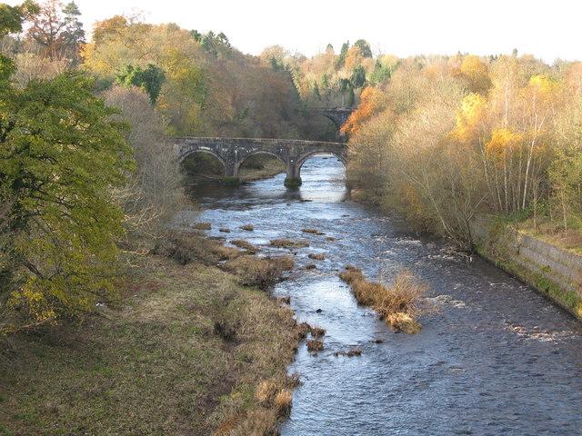 The Avon Water (near Chatelherault) - geograph.org.uk - 1065331