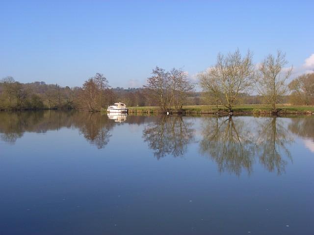 The River Thames, Medmenham - geograph.org.uk - 764806