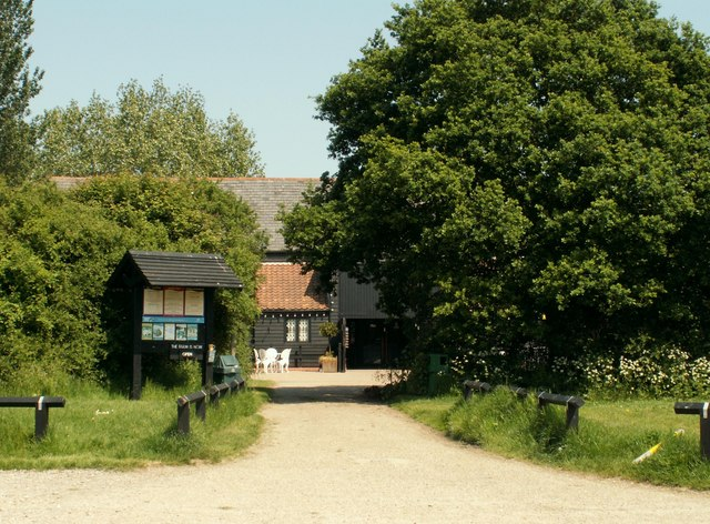 The approach to the visitor centre at Marsh Farm Country Park - geograph.org.uk - 817327