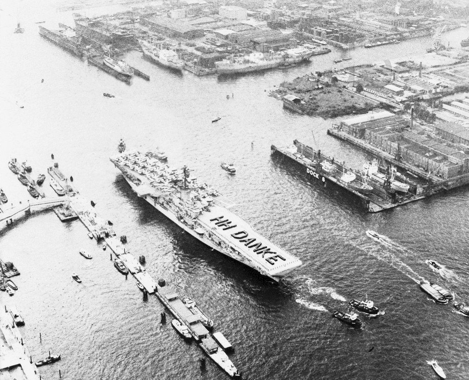file uss randolph  cvs-15  leaving hamburg in 1966 jpg