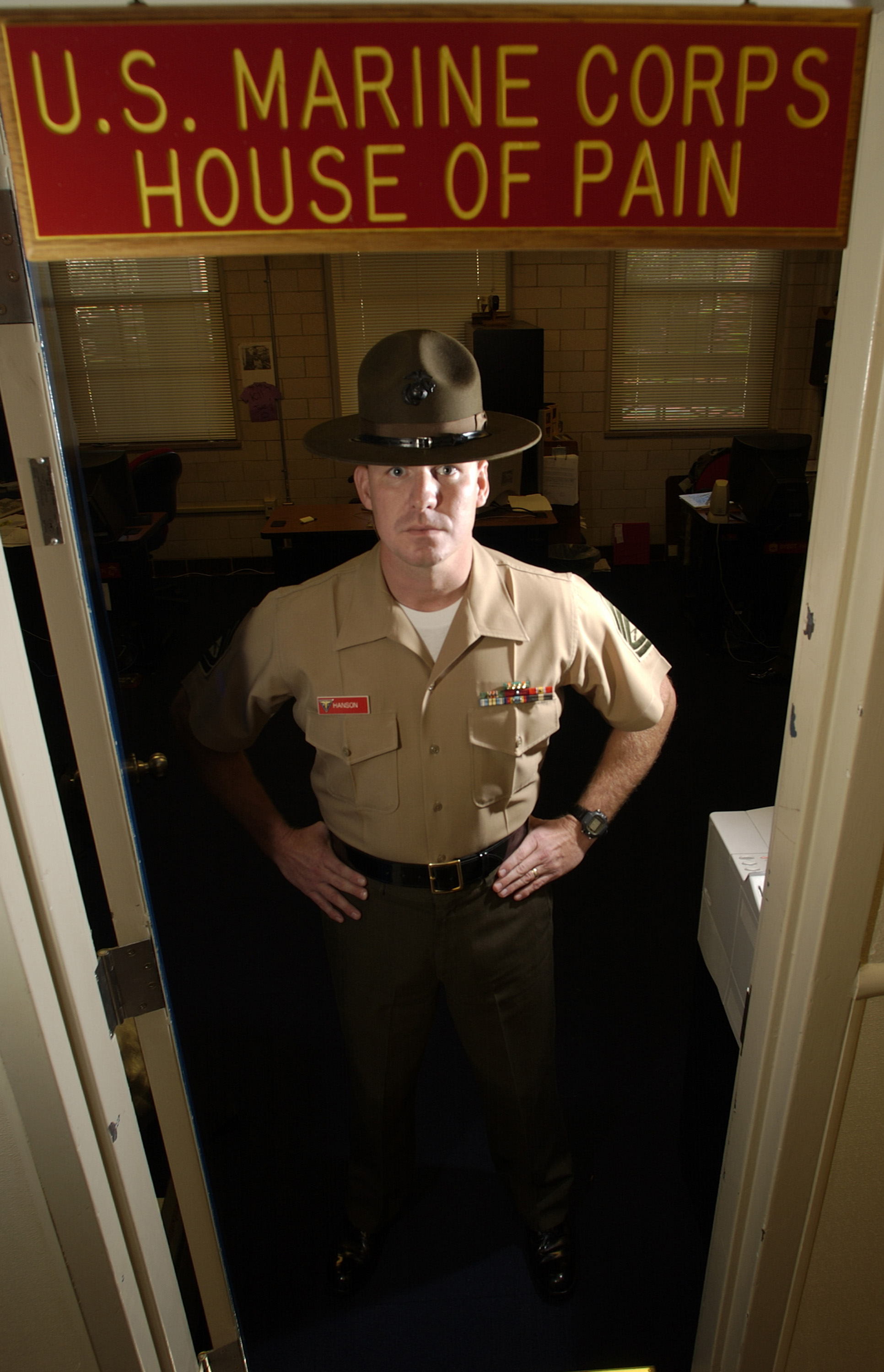 File us navy 031113 n 5862d 015 gunnery sgt duane hanson from wausau fla is a drill - Officer training school marines ...