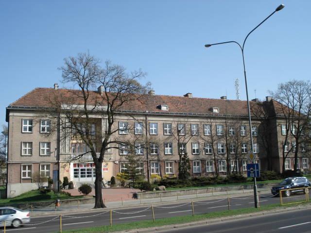 Dąbrówka High School (Poznań)