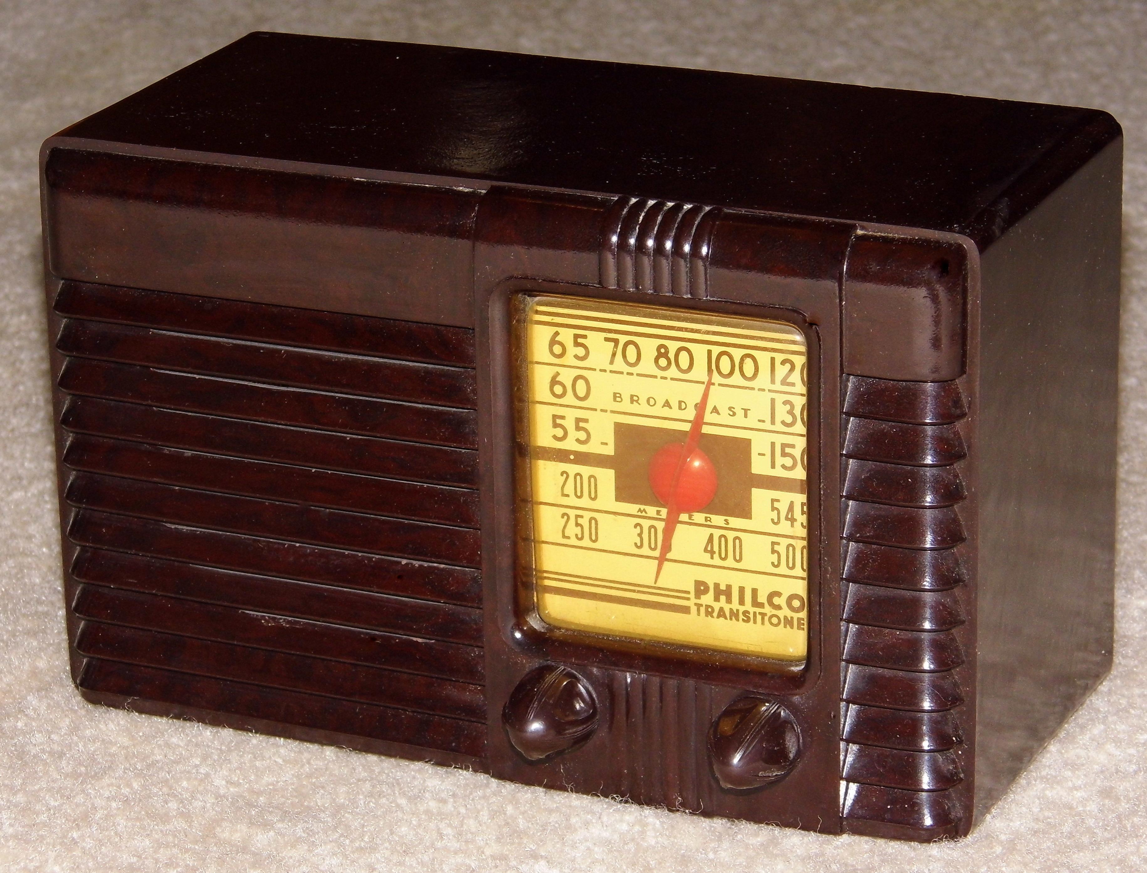 FileVintage Philco Transitone Bakelite Table Radio Model 42 PT26 Circa 1942 13150197935