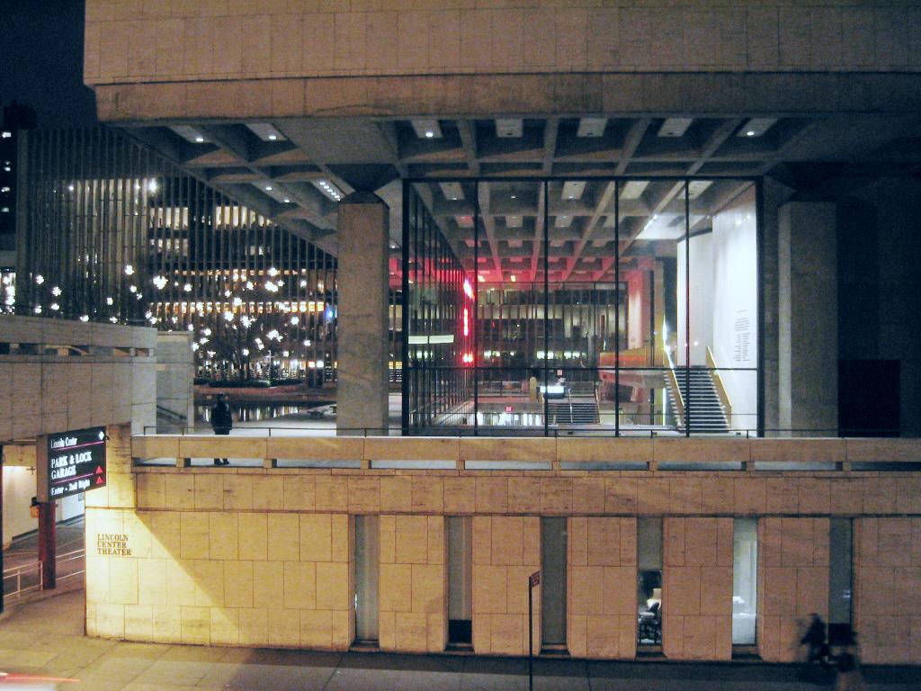 Vivian Beaumont Theater - Wikipedia