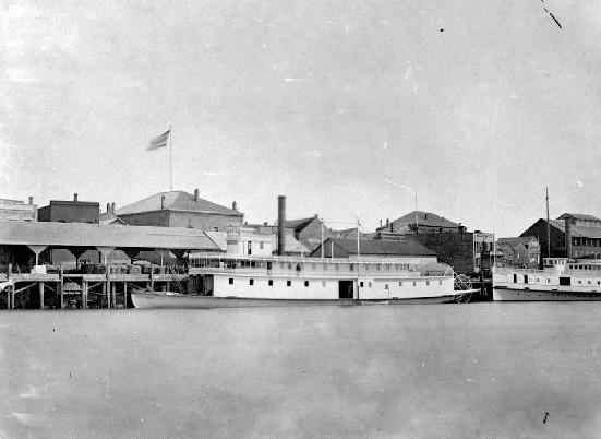 William_Irving_%28sternwheeler%29_and_Ge