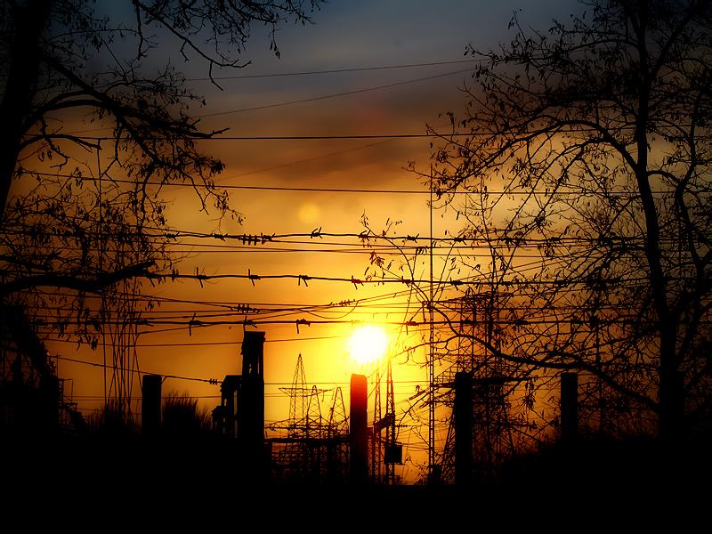 File:Закат на Днепрогесе.jpg