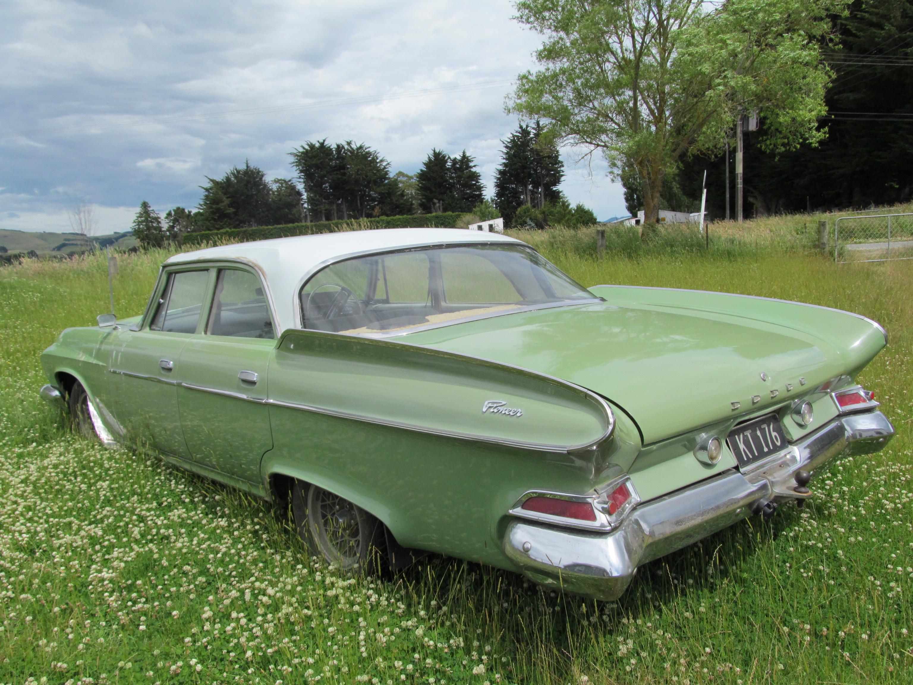 1961_Dodge_Dart_Pioneer_(8439675067).jpg
