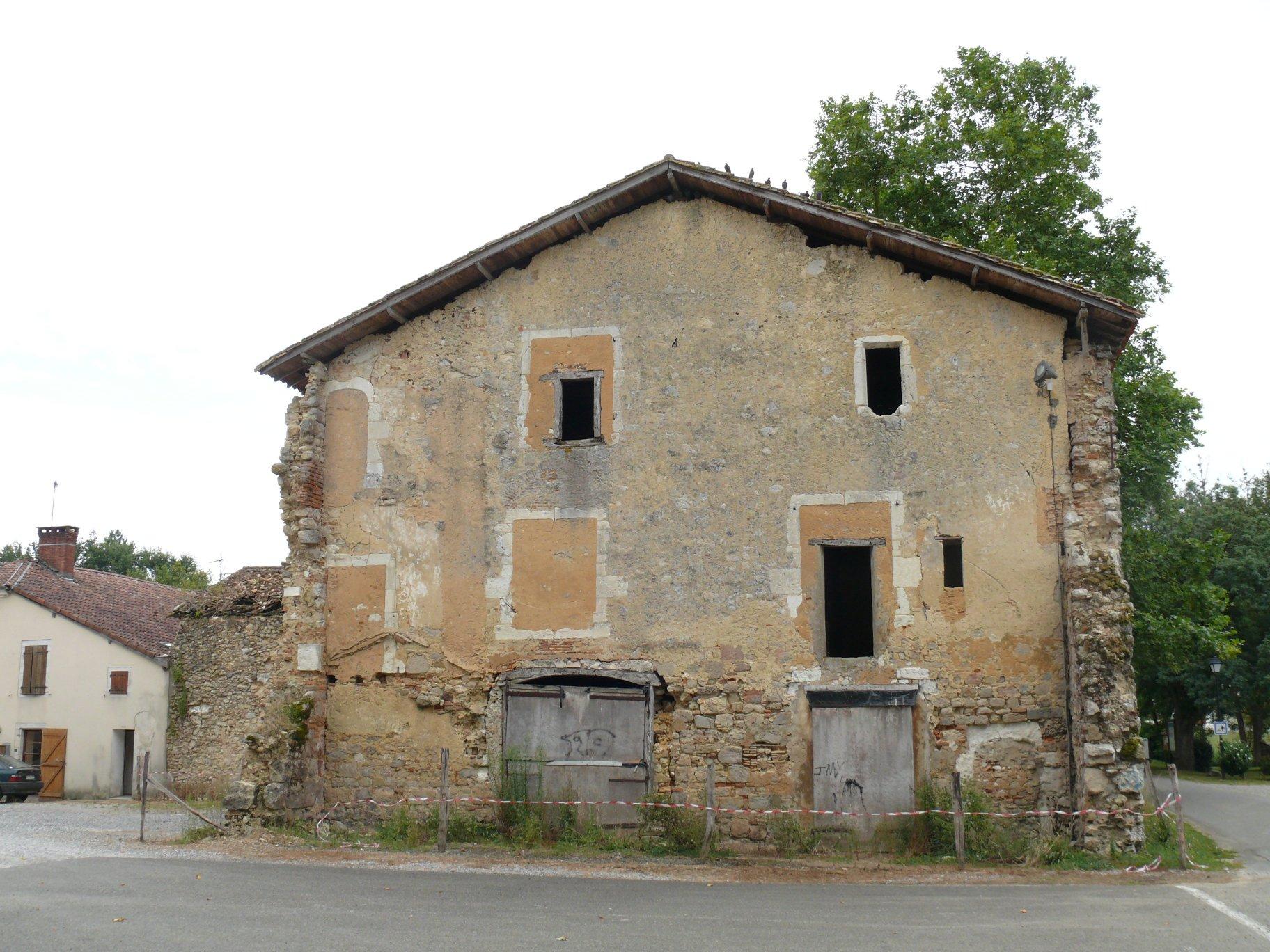 File abbaye de cagnotte ancien b timent for Photo batiment