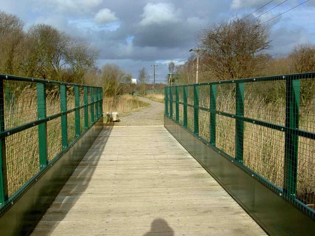 Bridleway bridge over The Mother Drain - geograph.org.uk - 1196411